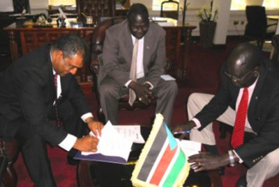 South-Sudan-signs-MoU-with-ACCORD-for-peacebuilding