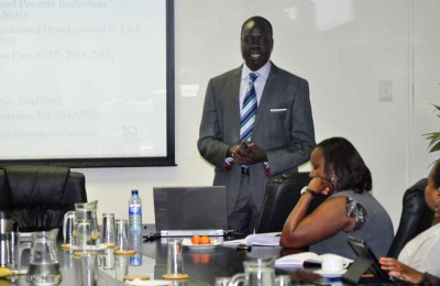 Internal-seminar-examines-large-scale-agricultural-land-deals-in-Africa-through-focus-on-Ethiopia