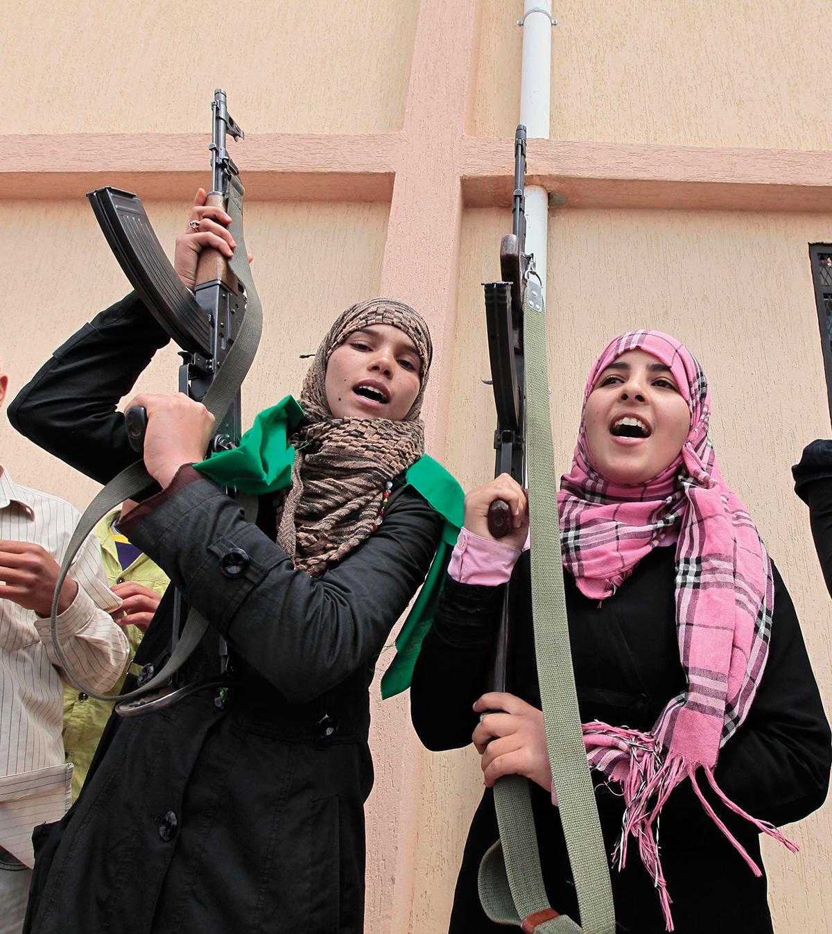 Female volunteer fighters